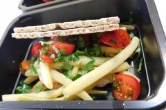 Sałatka warzywna z pieczywem